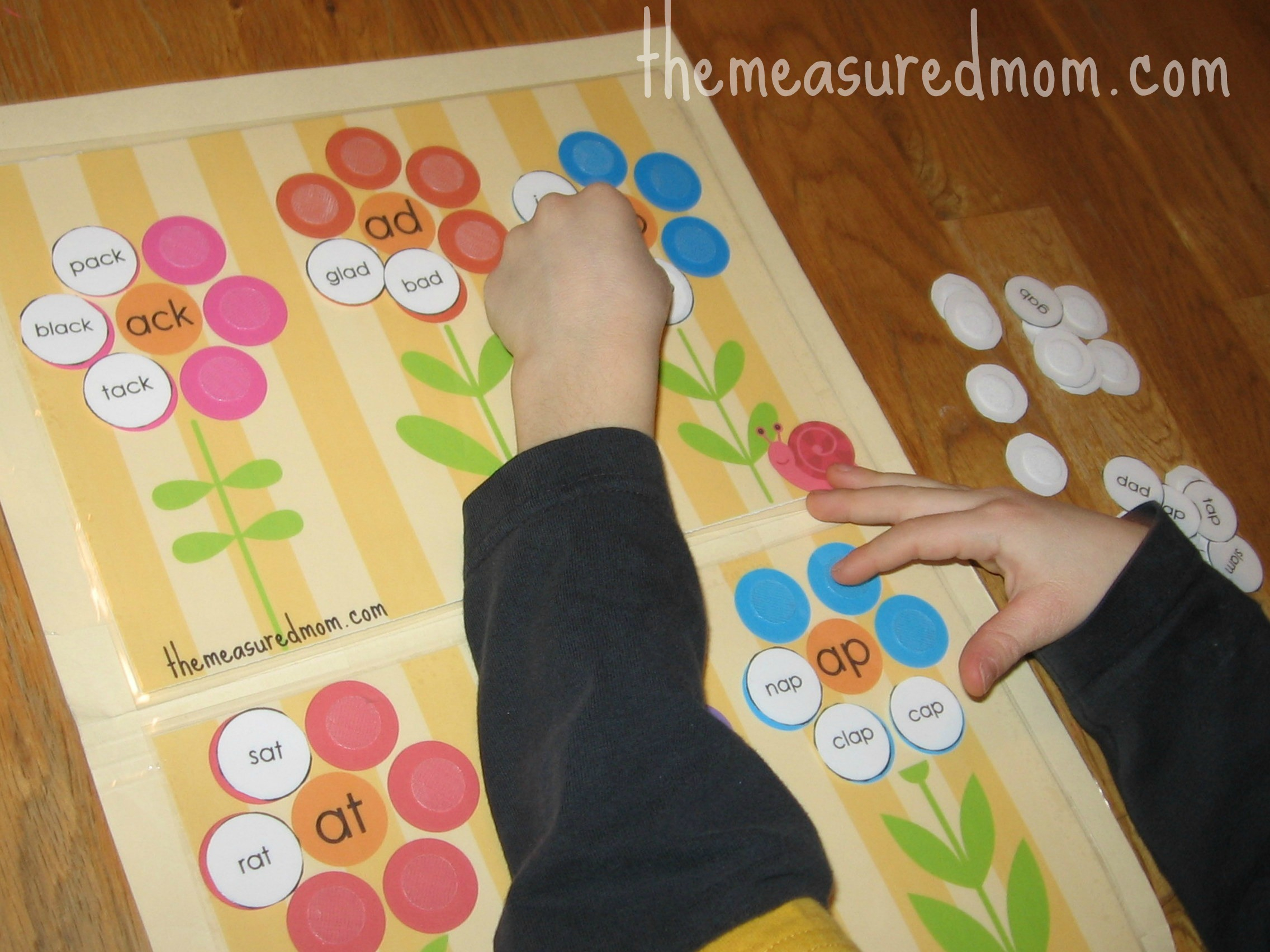 Free Word Family File Folder Game: Short A - The Measured Mom - File Folder Games For Toddlers Free Printable