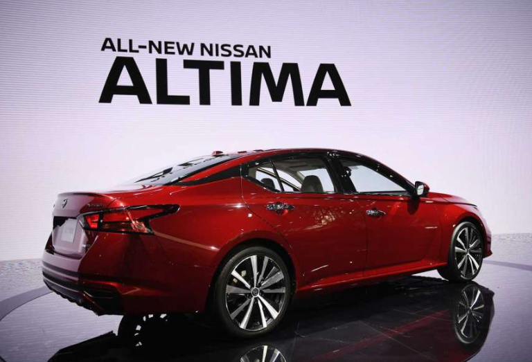 2019 Nissan Altima Coupe redesign