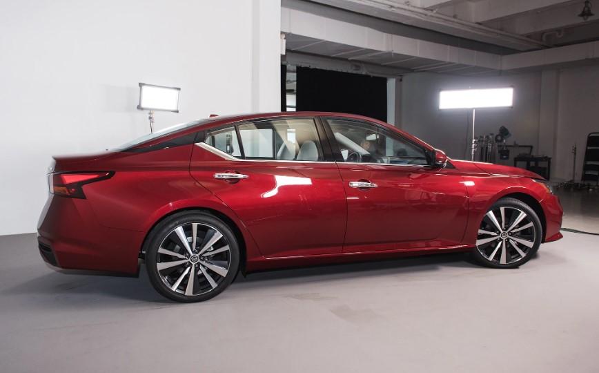 2020 Nissan Altima 3.5 SR changes
